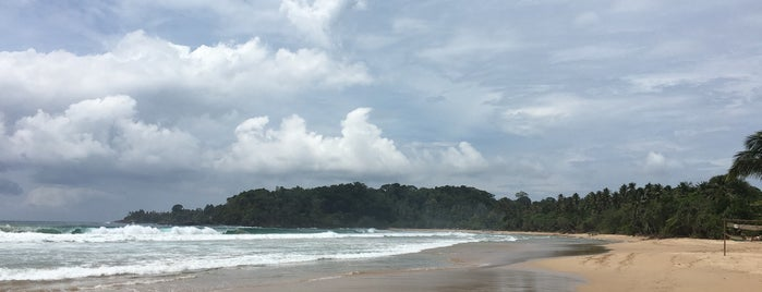 Talalla Beach is one of Tempat yang Disukai Antonella.