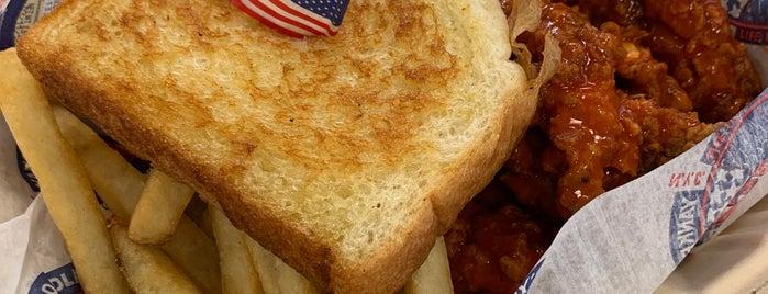 Yankee Doodle Dandy's is one of Street food.