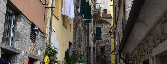Corniglia is one of Cinque Terre.