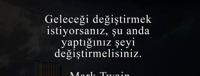 Kitapçılar Çarşısı is one of Dilek'in Beğendiği Mekanlar.