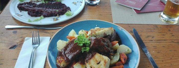 Torony Restaurant is one of Angéla : понравившиеся места.