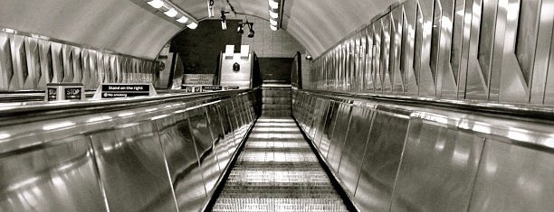 St. Paul's London Underground Station is one of Londen.