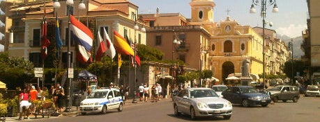 Piazza Tasso is one of #invasionidigitali 2013.
