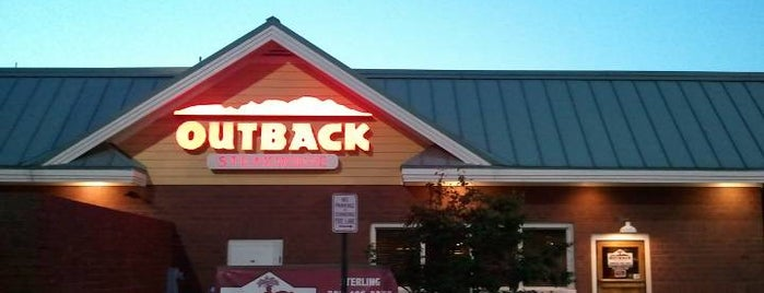 Outback Steakhouse is one of Sarah 님이 좋아한 장소.