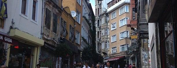 Galata is one of İstanbul'un Semtleri.