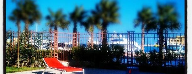 El Gouna Yacht club is one of El Gouna.