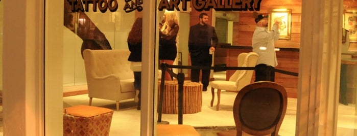 Handcrafted Tattoo & Art Gallery is one of Miami.