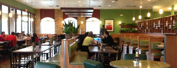 Crispers Fresh Salads, Soups and Sandwiches is one of Orte, die Brett gefallen.