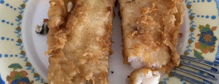 Güzelbahçe Su Ürünleri Koop.balık Ekmek is one of Orte, die Şule gefallen.