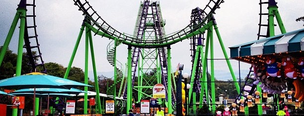 Six Flags México is one of Orte, die Hugo gefallen.