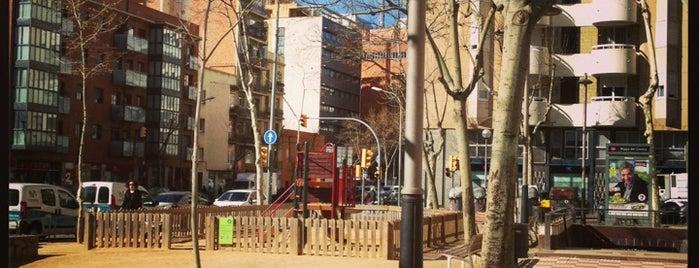 Plaça del Centre is one of Tempat yang Disukai Carlos.