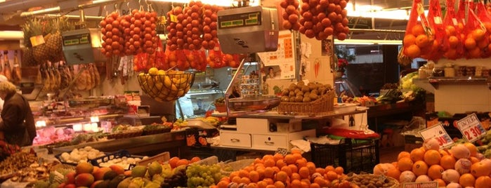 Mercat de Les Corts is one of España etc..