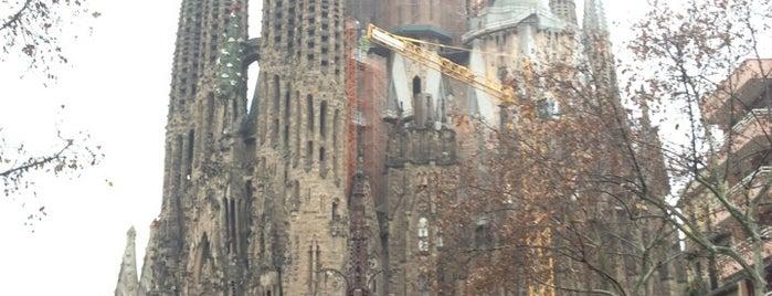 Barrio de la Sagrada Familia is one of Barcelona.