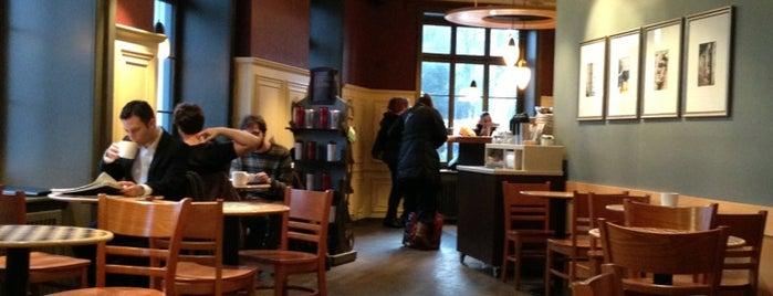 Starbucks is one of Orte, die Andreas gefallen.