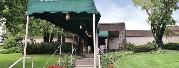 Beef & Boards Dinner Theatre is one of Lugares guardados de Rachel.