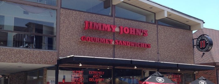Jimmy John's is one of Lugares favoritos de Aaron.