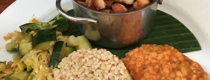 Saveurs Végét'Halles is one of Healthy & Veggie Food in Paris.