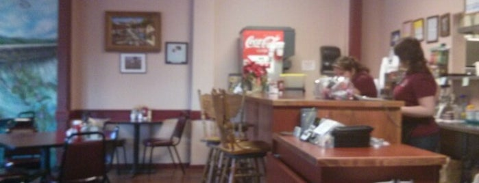 Los Robles Cafe is one of Paso Robles.