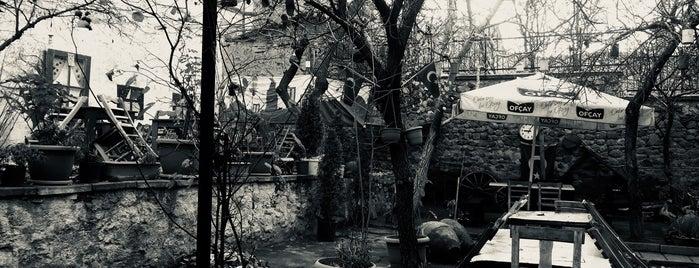 Tarihi Kadınana Konağı is one of Locais curtidos por Yalçın.