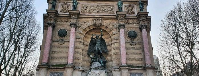 Fontaine Saint-Michel is one of Esra : понравившиеся места.