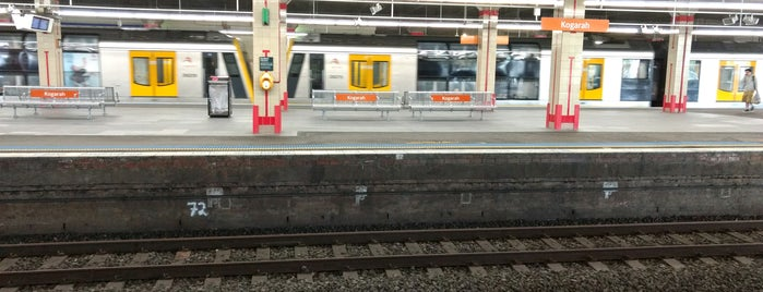 Kogarah Station is one of Locais curtidos por J.Esteban.