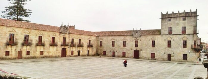 Praza de Fefiñáns is one of To do's Sanxenxo.