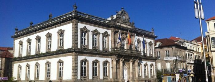 Praza de España is one of Locais salvos de Jordi.