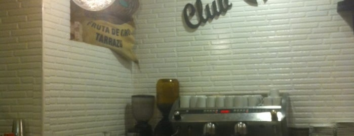 Club del Café is one of Pontevedra.
