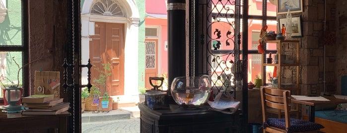 Pino Cafe is one of Gespeicherte Orte von Hakan.