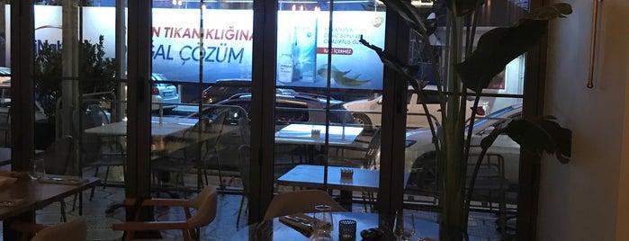 39 KALAMIŞ MARİNA HOTEL& RESTAURANT is one of Posti che sono piaciuti a Handan.