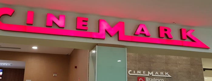 Cinemark XD is one of Ivanさんのお気に入りスポット.