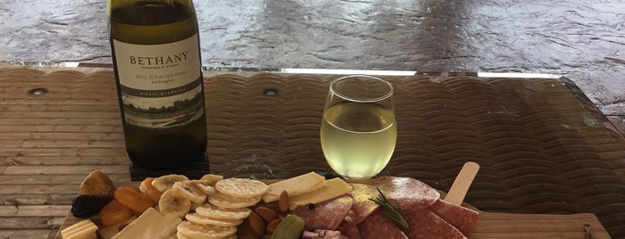Bethany Vineyard & Winery is one of สถานที่ที่ Stefani ถูกใจ.