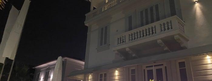 Villa Grey is one of Eros 님이 좋아한 장소.