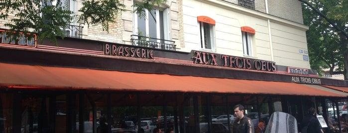 Aux Trois Obus is one of Lugares favoritos de Julien.