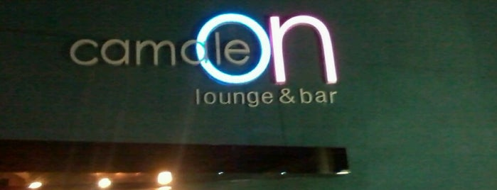 Camaleon Lounge & Bar is one of Orte, die Felipe gefallen.