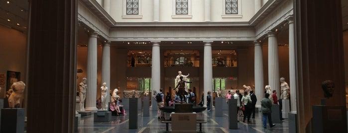 Museu Metropolitano de Arte is one of New York.