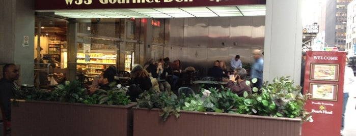 W 53rd Gourmet Deli is one of สถานที่ที่ Alberto J S ถูกใจ.