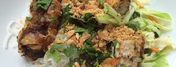 Asahi Sushi is one of Orte, die Anna Katharina gefallen.