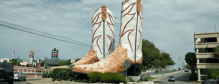 World's Largest Cowboy Boots is one of Hashtag Texas.