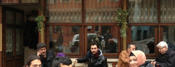 Hanımeli Cafe is one of Lieux qui ont plu à İpek.