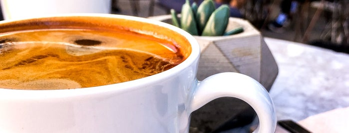 Meet Lab Coffee is one of Anadolu yakası.
