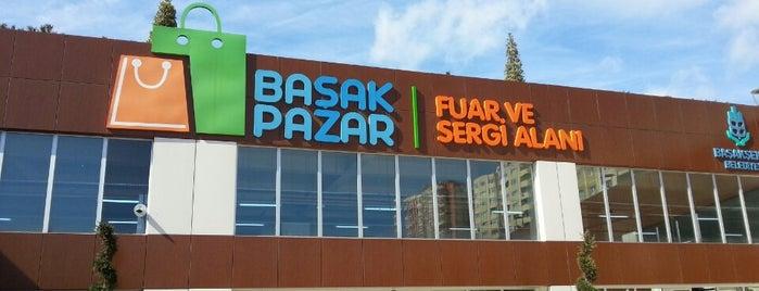 BaşakPazar Fuar ve Sergi Alanı is one of Locais curtidos por çiğdem.