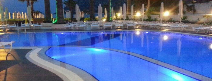 Seastar Hotel is one of Posti che sono piaciuti a Ibrahim.