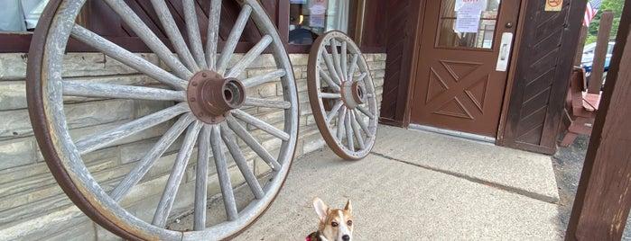 Wagon Wheel is one of Lugares favoritos de Nicholas.