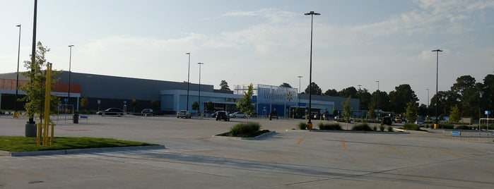 Walmart Supercenter is one of Orte, die Stephania gefallen.