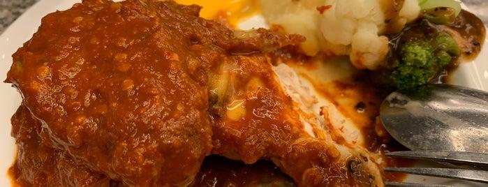 Javier's Rotisserie & Salad Bar is one of Locais curtidos por MrChingu.