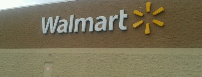 Walmart Supercenter is one of Tempat yang Disukai Shawntini.