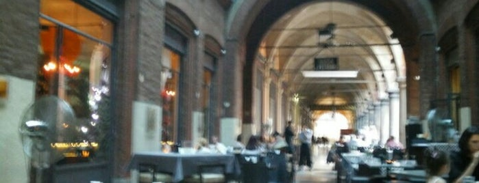 L'Inde Le Palais is one of Bologna.