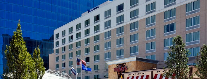 Fairfield Inn & Suites by Marriott Indianapolis Downtown is one of Lugares favoritos de Andrew.