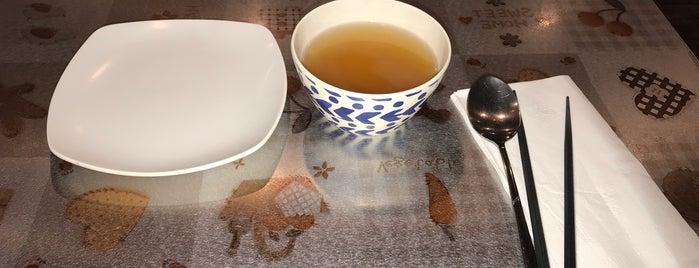 Yupdduk (동대문 엽기떡볶이) is one of Flushing Food.